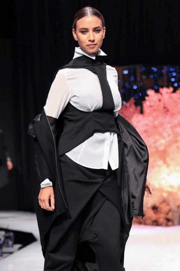 Елегантен дамски елек MITA