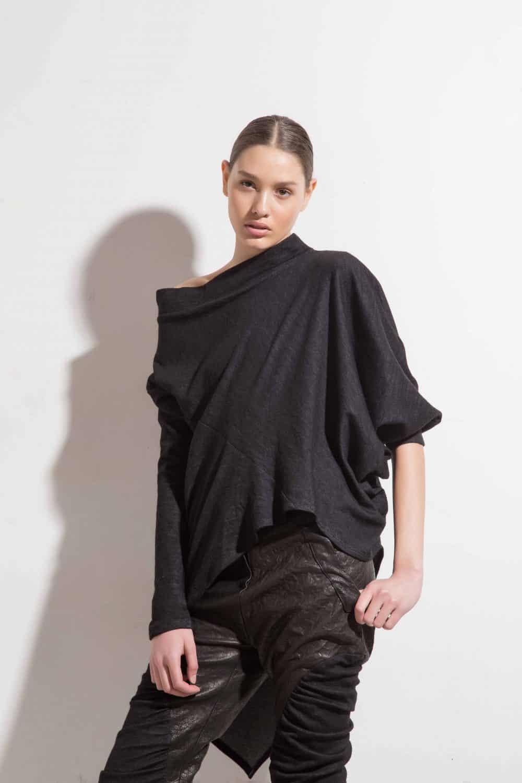 Асиметрична вълнена блуза YOANA
