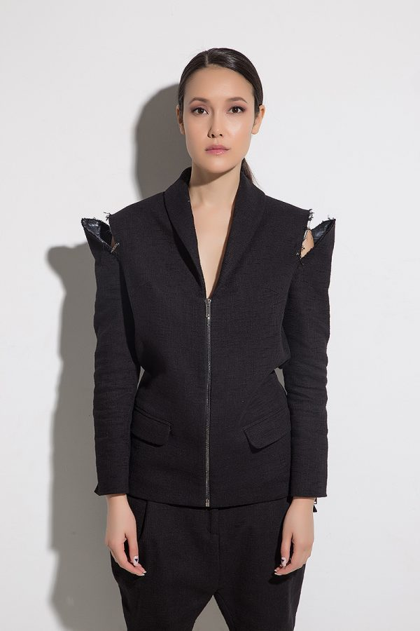 Екстравагантно дамско сако ZETA NERA