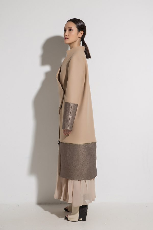 Дълго дамско палто Caprina