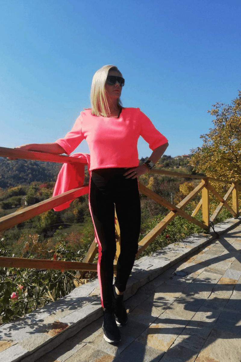 Спортно-елегантна къса блуза ELECTRA