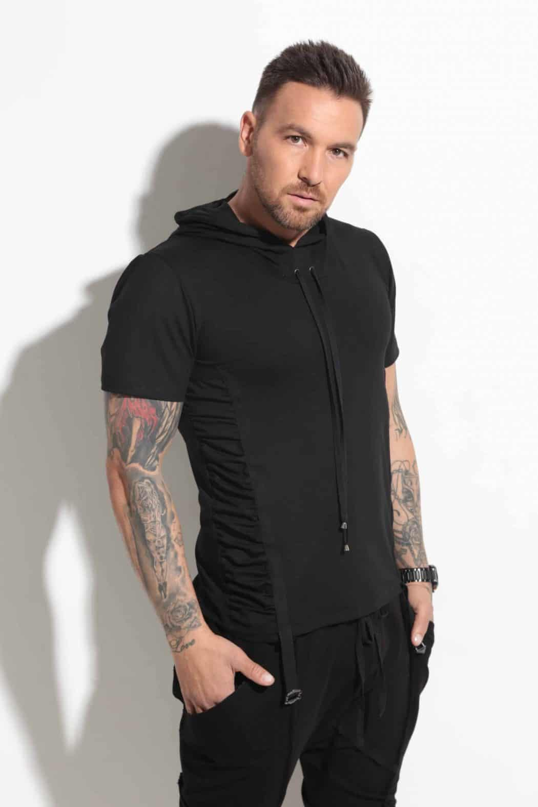 Sporty-elegant men's t-shirt DAVID