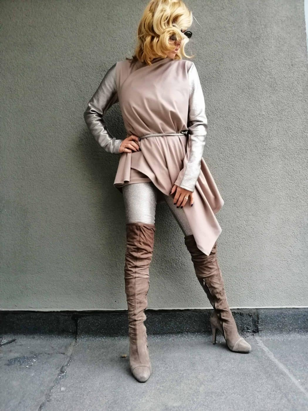 Асиметрична дамска жилетка MONA