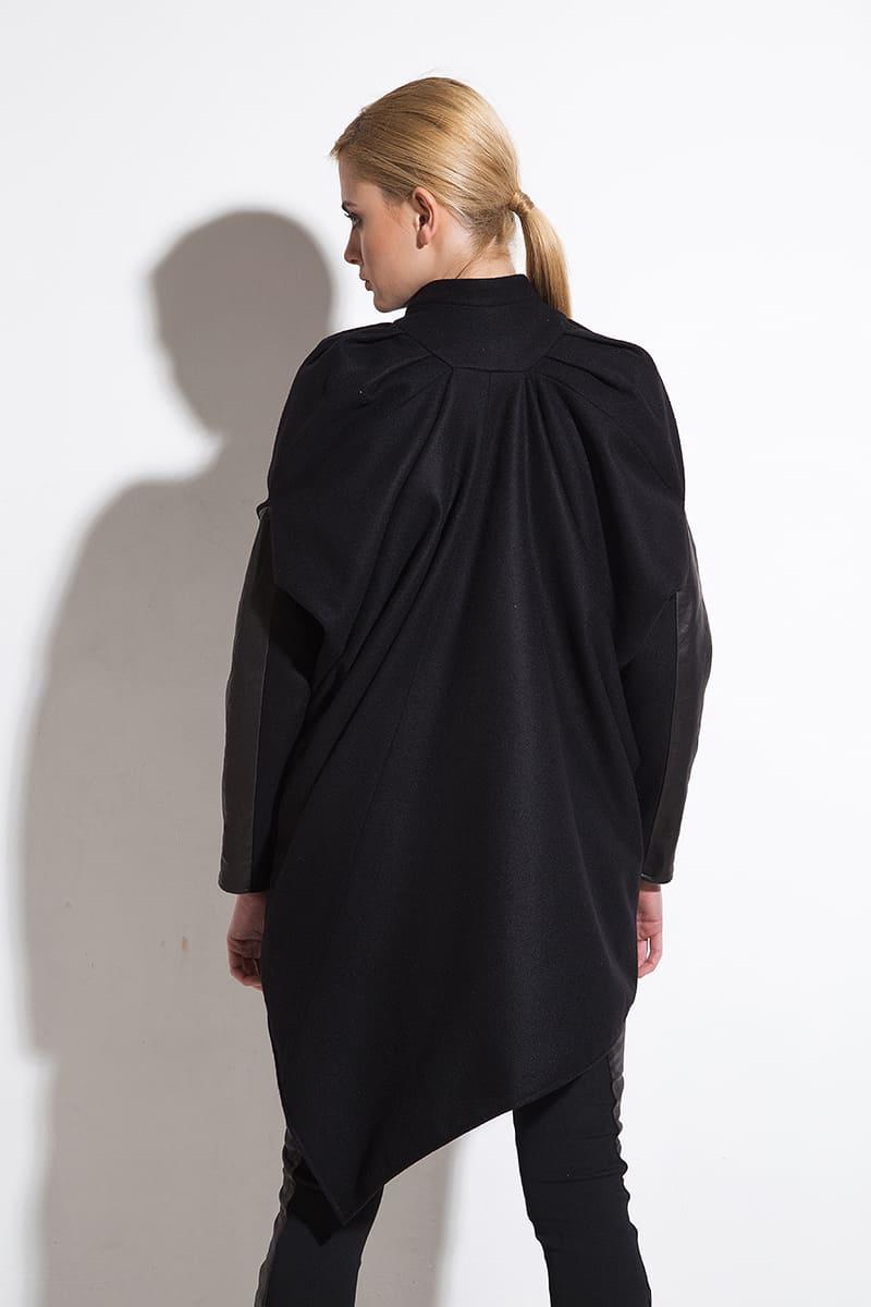 Extravagant ladies coat Moon