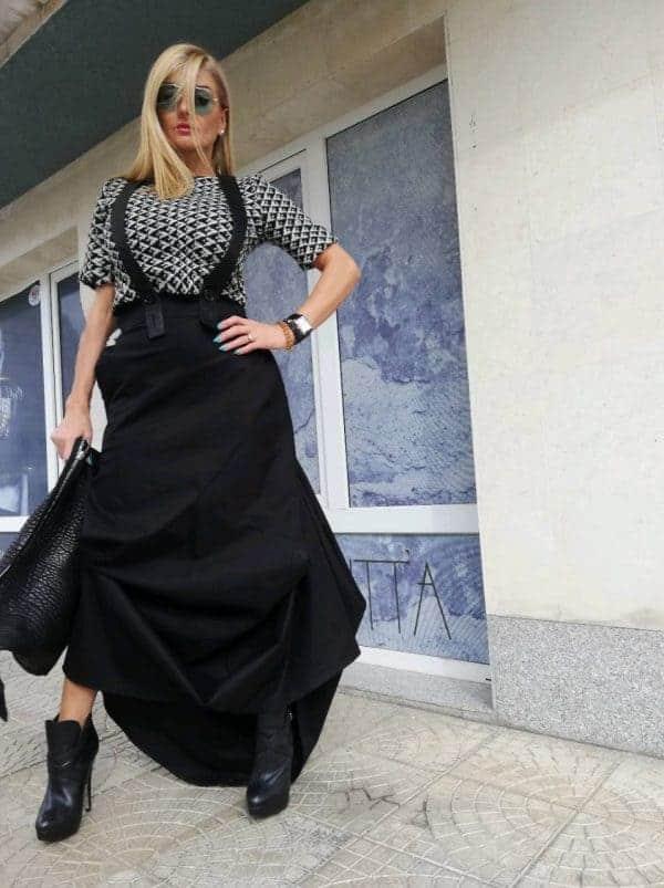 Extravagant asymmetric skirt FADA