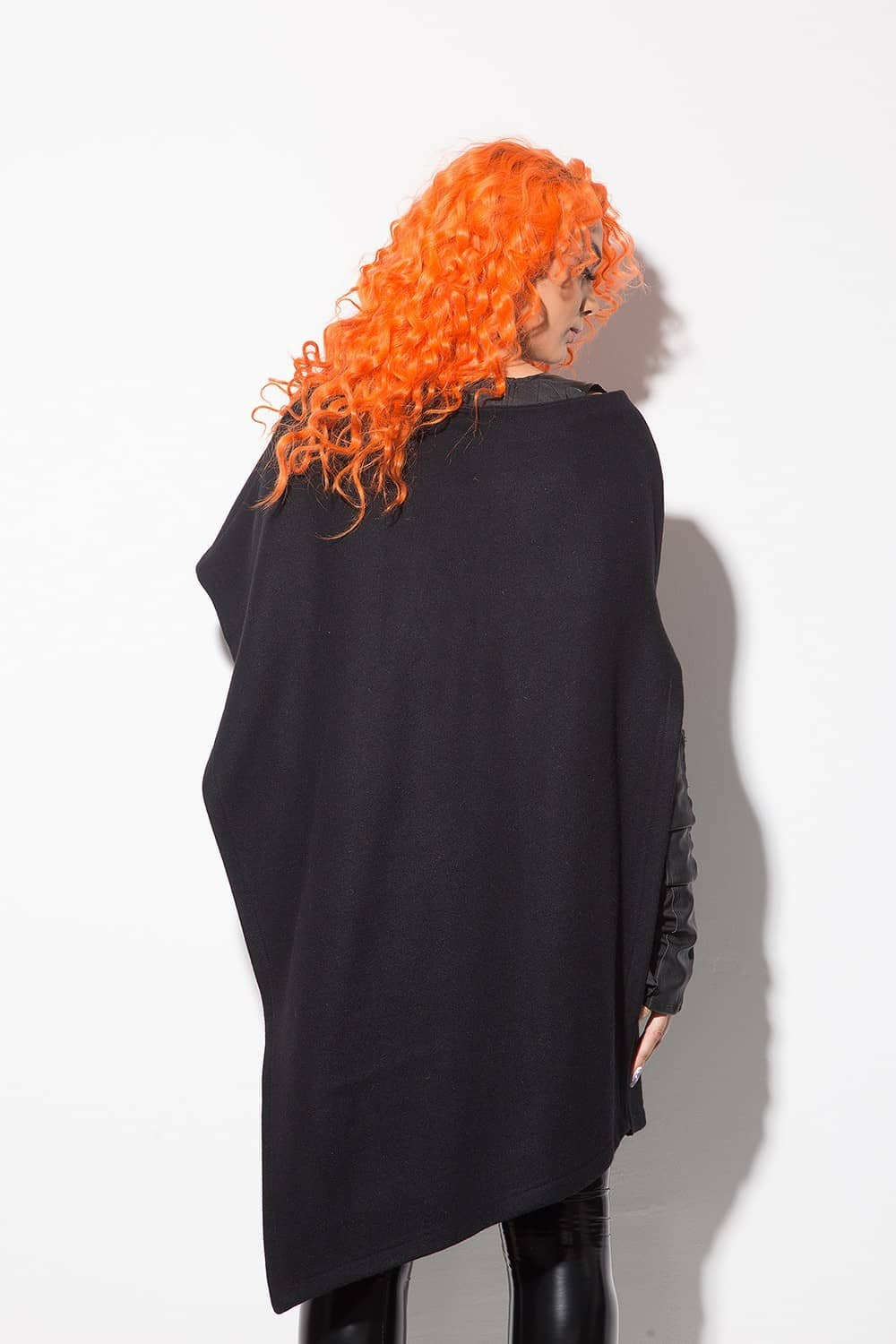 Asymmetrical women's cloak 1125