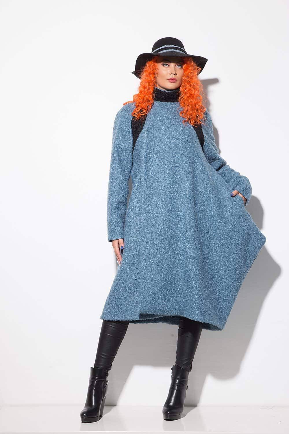 Asymmetrical women's coat 1141